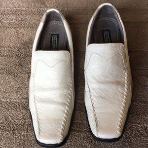 Men's white Stacy Adams shoe